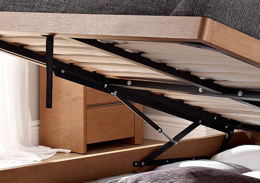 Вид подъемника внутри кровати