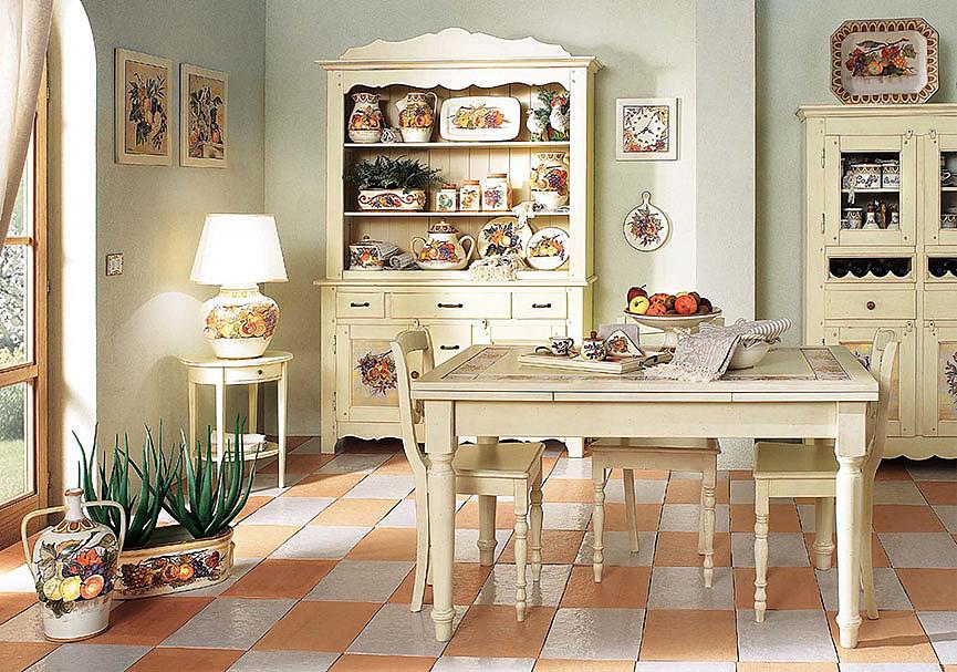 Стол в светлых оттенках для кухни